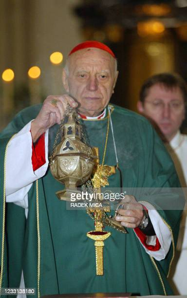 Czech Cardinal Tomas Spidlik celebrates a mass 22 February 2004 in his birth place of Boskovice near Brno, eastern Czech Republic. Cardinal Spidlik,...