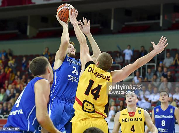 Czech Jan Vesely vies for the ball with Belgium's Maxime De Zeeuw during the Eurobasket 2015 group D basketball match Czech Republic vs Belgium in...