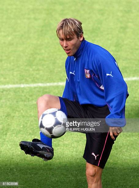 Czech midfielder Pavel Nedved plays with the ball during a training session 15 June 2000 at the Jan Breydel stadium in Bruges, Belgium, on the eve of...