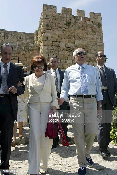 Czech President Vaclav Klaus and his wife Livia tour the ancient Phoenician city of Byblos 50 kms north of the Lebanese capital Beirut 05 May 2004...