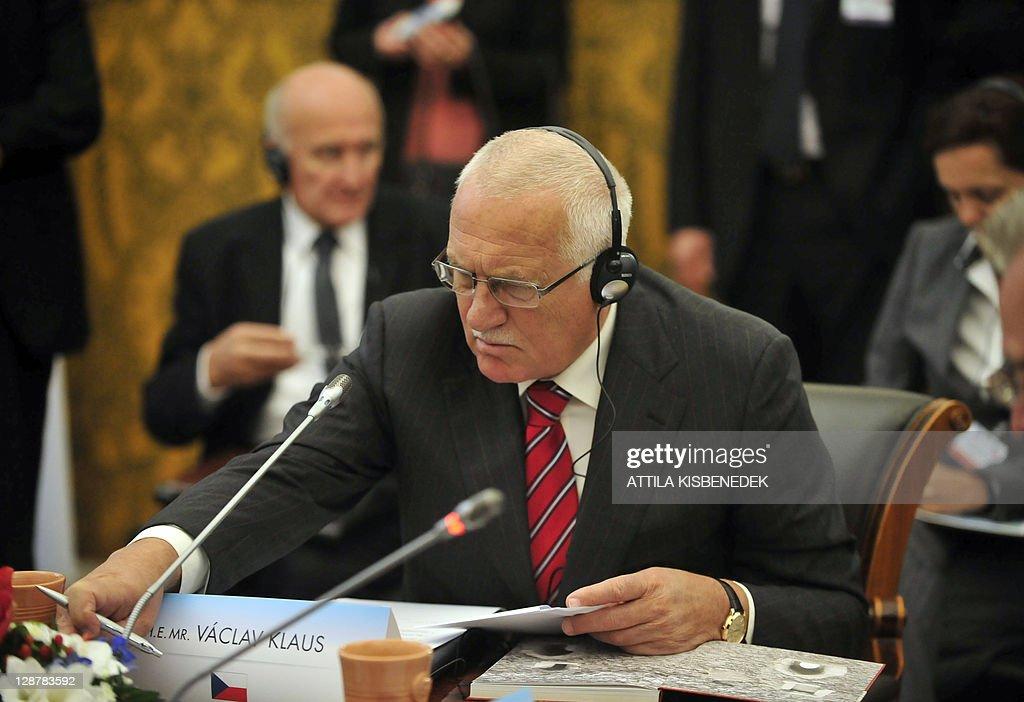 Vaclav Klaus Mladsi News: Czech President Vaclav Klaus Prepares For His Meeting With