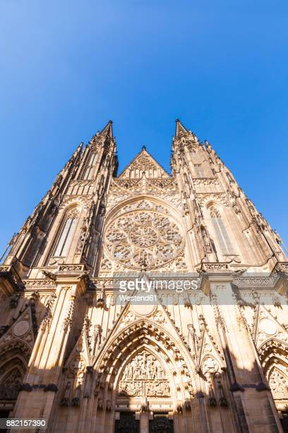 czech republic, prague, hradcany, castle, st vitus cathedral, western portal - hradcany castle stock pictures, royalty-free photos & images