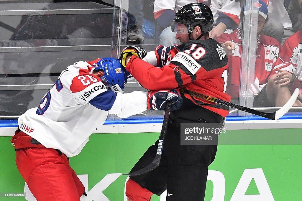 IHOCKEY-WC-IIHF-CAN-CZE : News Photo