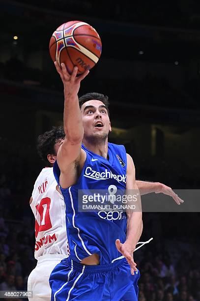 Czech Republic's point guard Tomas Satoransky goes to the basket during the round of 16 basketball match between Croatia and the Czech Republic at...