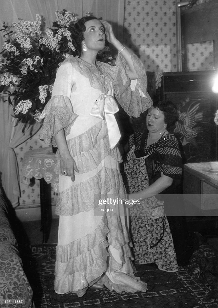 Czech soprano and actress Jarmila Novotná. About 1933. Photograph. (Photo by Imagno/Getty Images) Die tschechische Sopranistin und Schauspielerin Jarmila Novotná. Um 1933. Photographie.