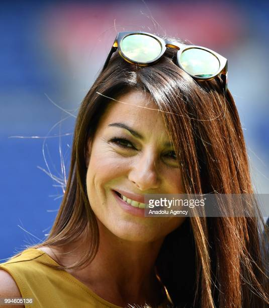 CzechItalian model Alena Seredova wife of PSG's goalkeeper Gianluigi Buffon poses after her husband's official presentation press conference at Parc...