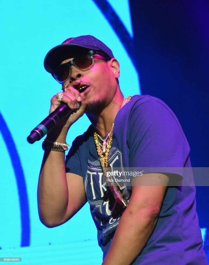 V-103 Live Pop Up Concert : News Photo