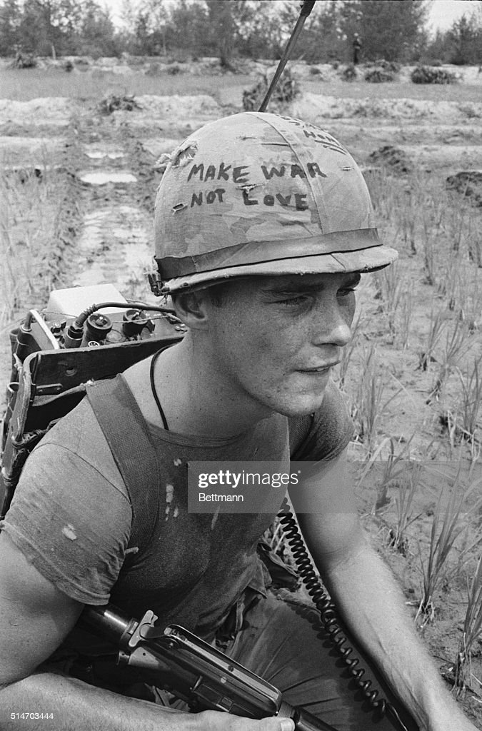 Soldier Rests : News Photo