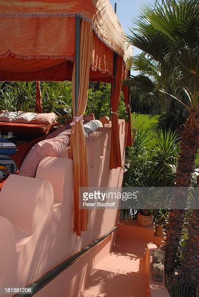 Dachterrasse der Villa von Henriette von Bohlen und Halbach Homestory Villa Bled Targui Marrakesch Marokko Nordafrika Afrika Residenz Palast Kissen...