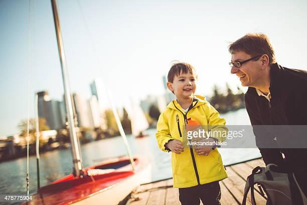 パパと私の川 - 人と人との関係 ストックフォトと画像