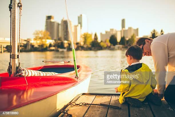 ダディ、私は、川の眺めをお楽しみいただけます。 - 人と人との関係 ストックフォトと画像