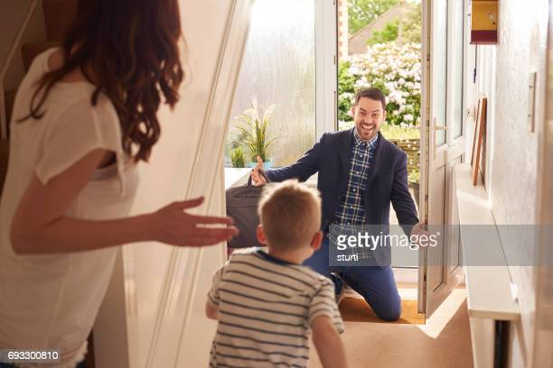 daddy's boy - returning stock pictures, royalty-free photos & images