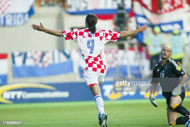 Dado PRSO of Croatia celebrates. Fabien BARTHEZ of France during the European Championship match between Croatia and France at Estadio Dr. Magalhaes...