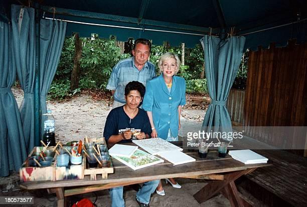 Dagmar Berghoff Ehemann Dr PeterMatthaes ARD/N3Show Heimat in derFerne Folge MalaysiaLangkawi/Malaysia/Asien Hotel TheAndaman BatikKünstler Urlaub