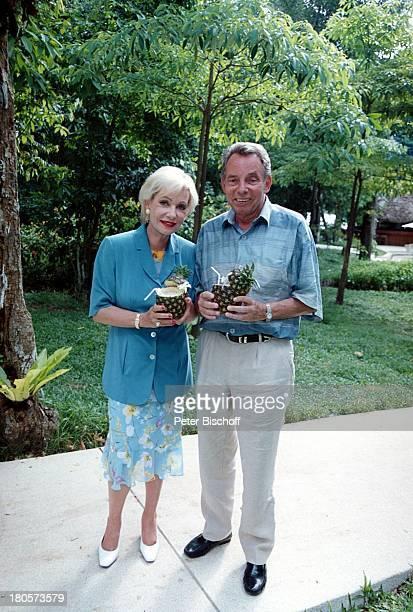 Dagmar Berghoff Ehemann Dr PeterMatthaes ARD/N3Show Heimat in derFerne Folge MalaysiaLangkawi/Malaysia/Asien Hotel TheAndaman Park...
