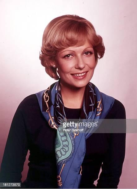 25 Januar 1943 Sternzeichen Wassermann Showmasterin TVModeratorin Schauspielerin TVNachrichtensprecherin 2351987 Promis Prominente Prominenter...