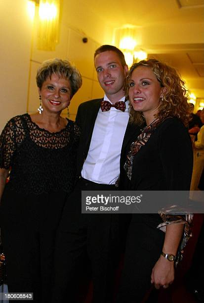 Dagmar Frederic Tochter Maxie Sohn Party nach der Verleihung Goldene Henne 2002 Berlin Deutschland Europa Friedrichstadtpalast AftershowParty Feier...