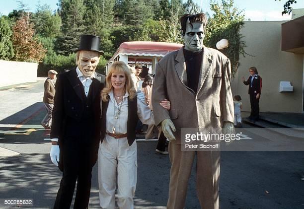 'Dagmar Koller mit ''Frankenstein'' und weiterer HorrorGestalt ZDF/ORFPersonalityShow ''Einfach anders'' am in den ''Universal Studios'' in Los...