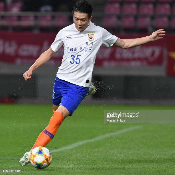 Dai Lin of Shandong Luneng in action during the AFC Champions League Group E match between Kashima Antlers and Shandong Luneng at Kashima Soccer...