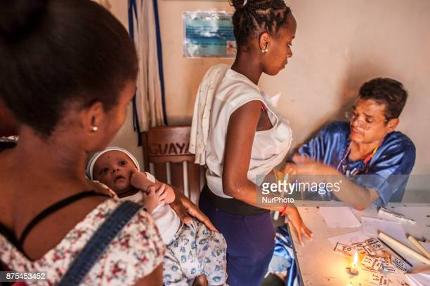 Daily life in Caracas Venezuela on 17 November 2017 With high inflation low wages lack of food and medicine and cash Venezuela is plunged into a...