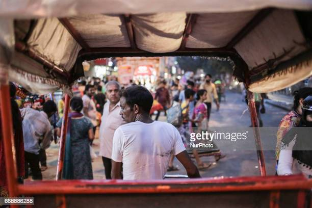 Daily life in old Delhi This overcrowded area of Delhi a vibrant area full of energy There are mosques temples hindus jains and muslims Food shops...