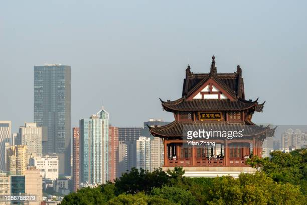 daily life in wuhan - wuhan stock pictures, royalty-free photos & images