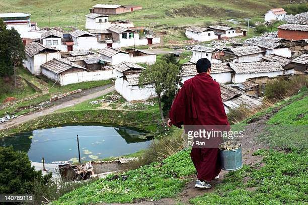 daily life of monk - gansu province stock pictures, royalty-free photos & images