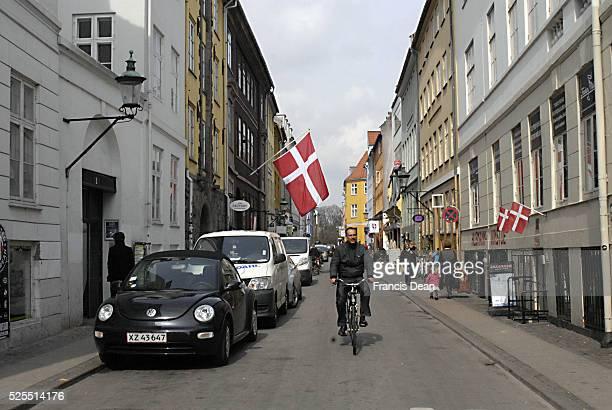Daily life on Larsbjoernsstraede i haert of city 12 April 2012