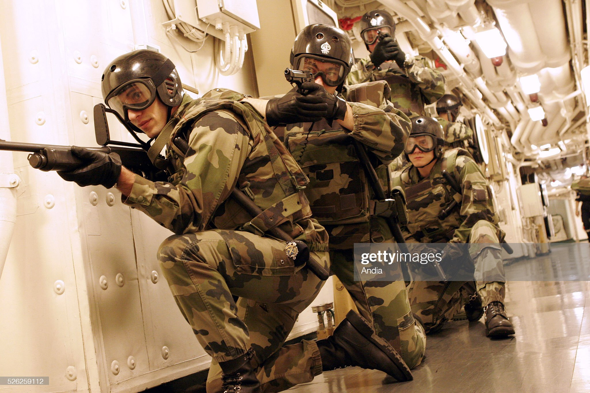 daily-life-onboard-the-french-navy-nuclearpowered-aircraft-carrier-picture-id526259112