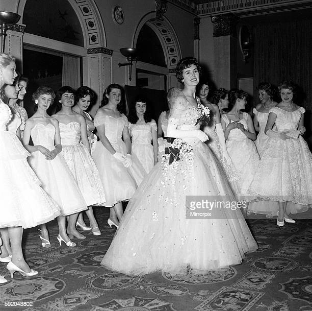 Daily Mirror Debutants Ball 1958 at the Dorchester Hotel in London, 7th May 1958. CENTRE Barbara Lambert, Daily Mirror Deb Of The Year
