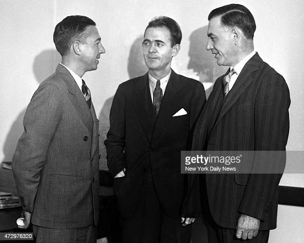 Daily News reporter John O'Donnell talks with Jack Legs Diamond and his attorney Daniel Prior