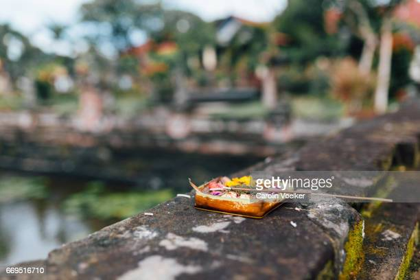 Daily offering at Klungkung Palace