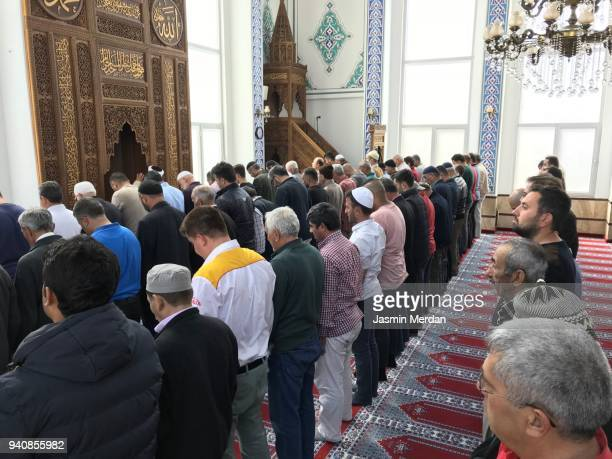 daily prayer in mosque - isfahan imam stock pictures, royalty-free photos & images