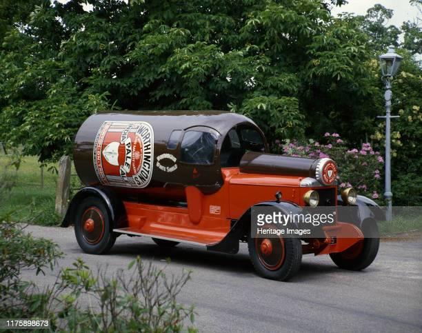 Daimler Bottle Van