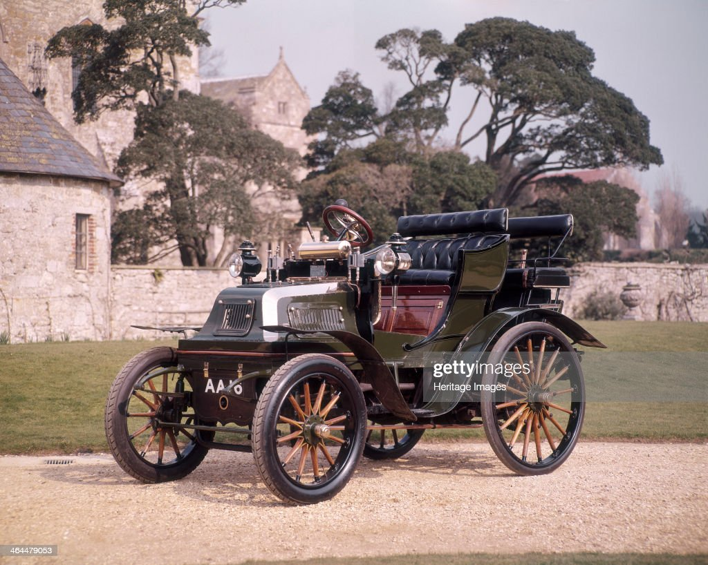 1899 Daimler horseless carriage. Pictures | Getty Images