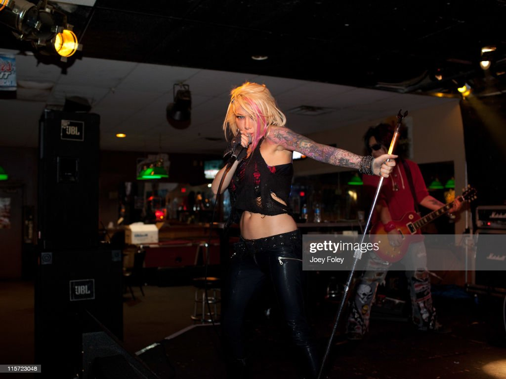 Daisy De LA Hoya And The Beautiful Disaster Featuring Bang Tango In Concert : News Photo