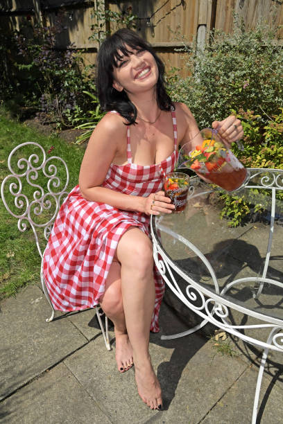 GBR: Daisy Lowe Celebrates National Picnic Week With A Pimm's