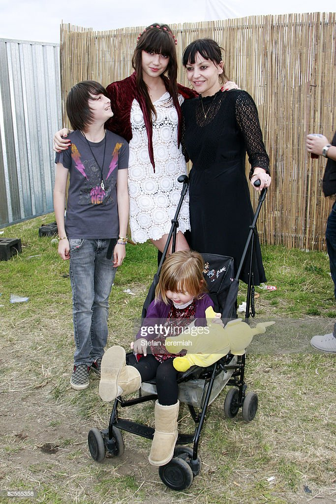 Daisy Lowe, Pearl Lowe and family attend Get Loaded in the Park at Clapham Common on August 24, 2008 in London, England.