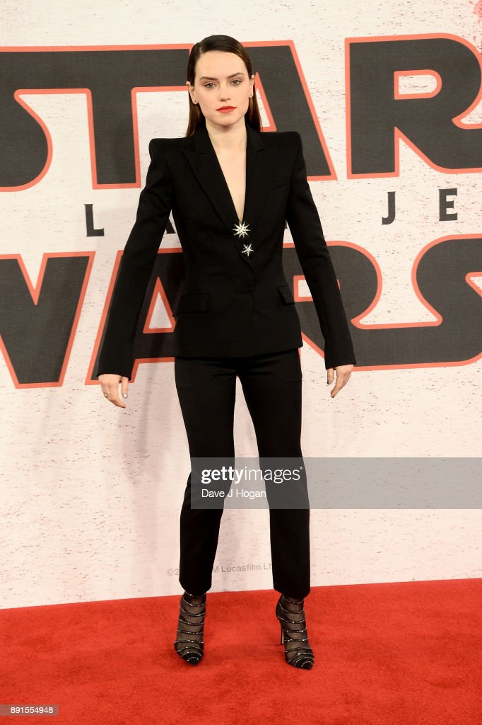 Daisy Ridley attends the 'Star Wars: The Last Jedi' photocall at Corinthia Hotel London on December 13, 2017 in London, England.
