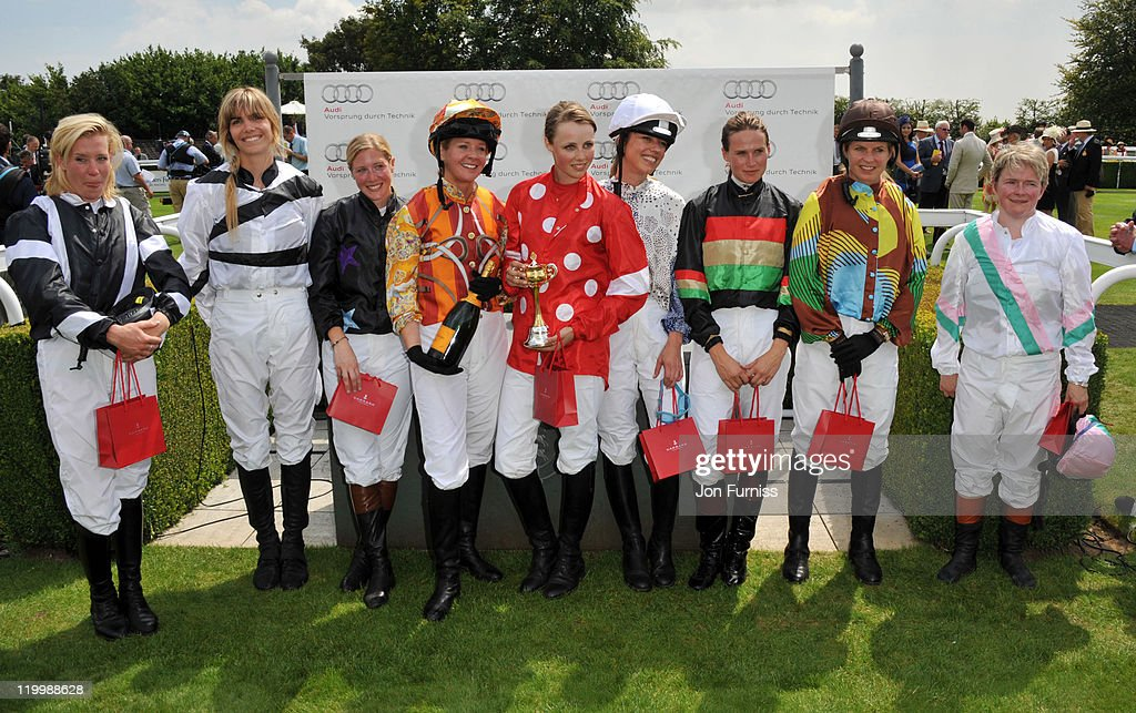 Ladies Day At Goodwood : News Photo