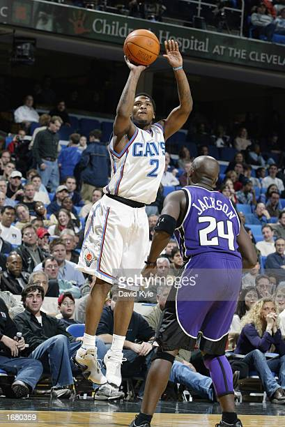 Dajuan Wagner of the Cleveland Cavaliers shoots a jump shot over Bobby Jackson of the Sacramento Kings during the game at Gund Arena on November 26...