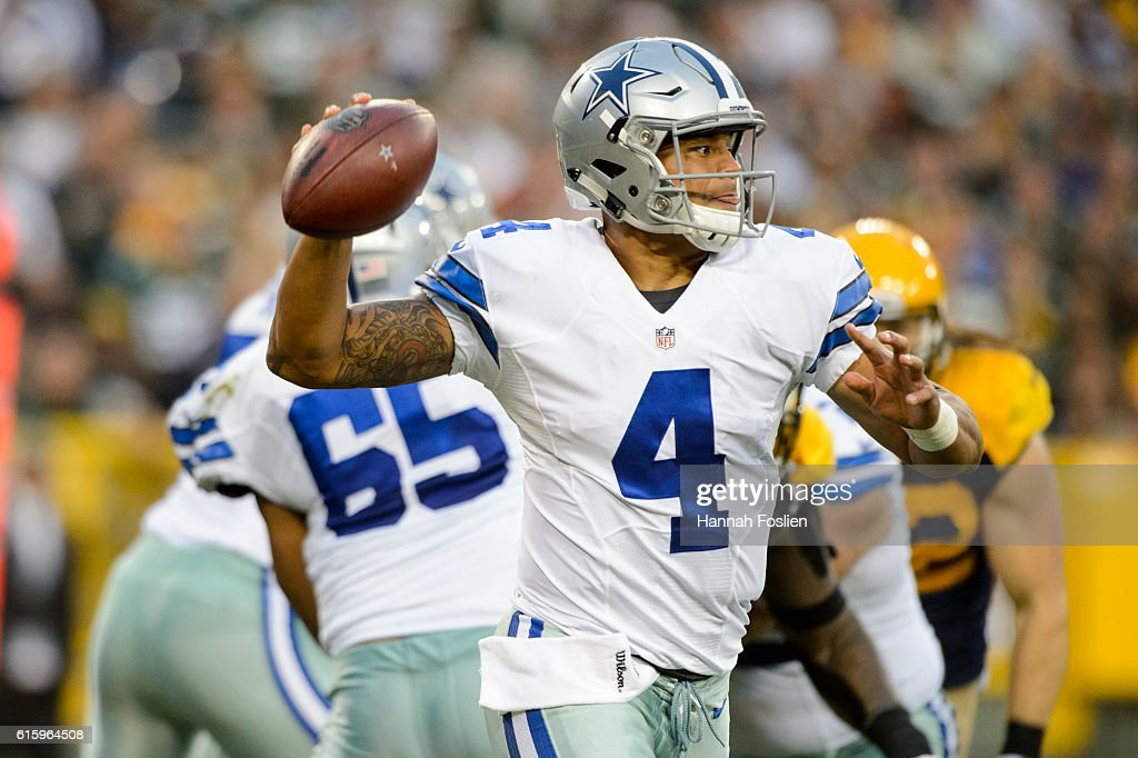 Dallas Cowboys v Green Bay Packers : News Photo