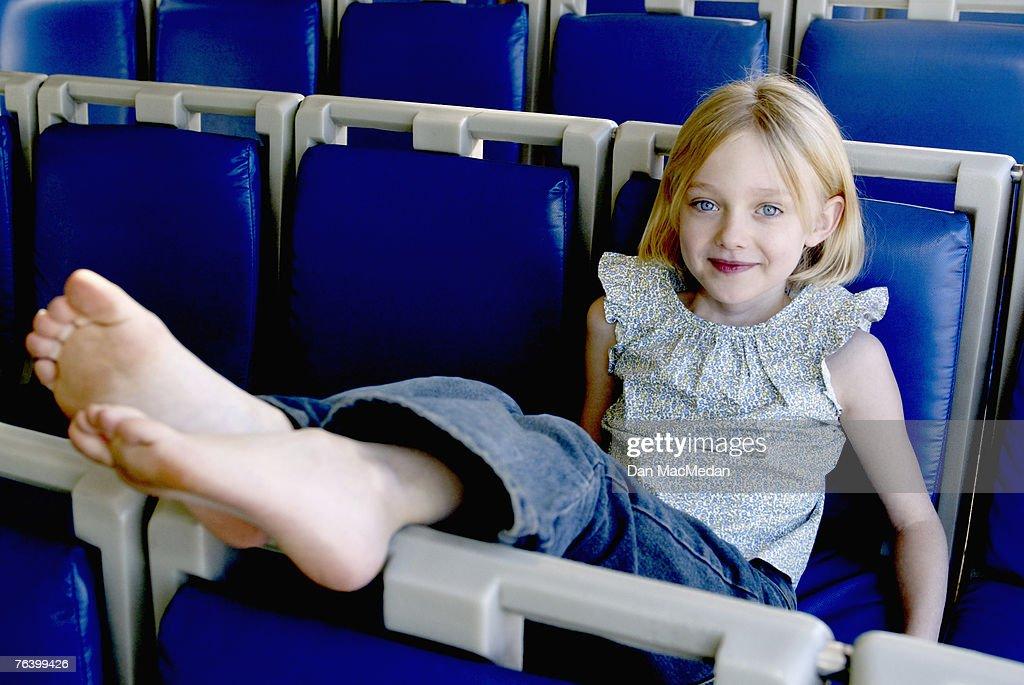 Dakota Fanning for USA Today, February 11, 2002 : News Photo