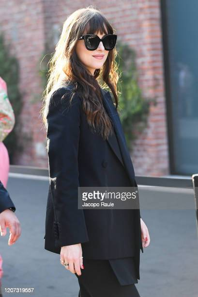 Dakota Johnson attends the Gucci fashion show on February 19 2020 in Milan Italy