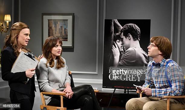 LIVE 'Dakota Johnson' Episode 1676 Pictured Kate McKinnon Dakota Johnson and Kyle Mooney as Peter the forth grader on February 28 2015