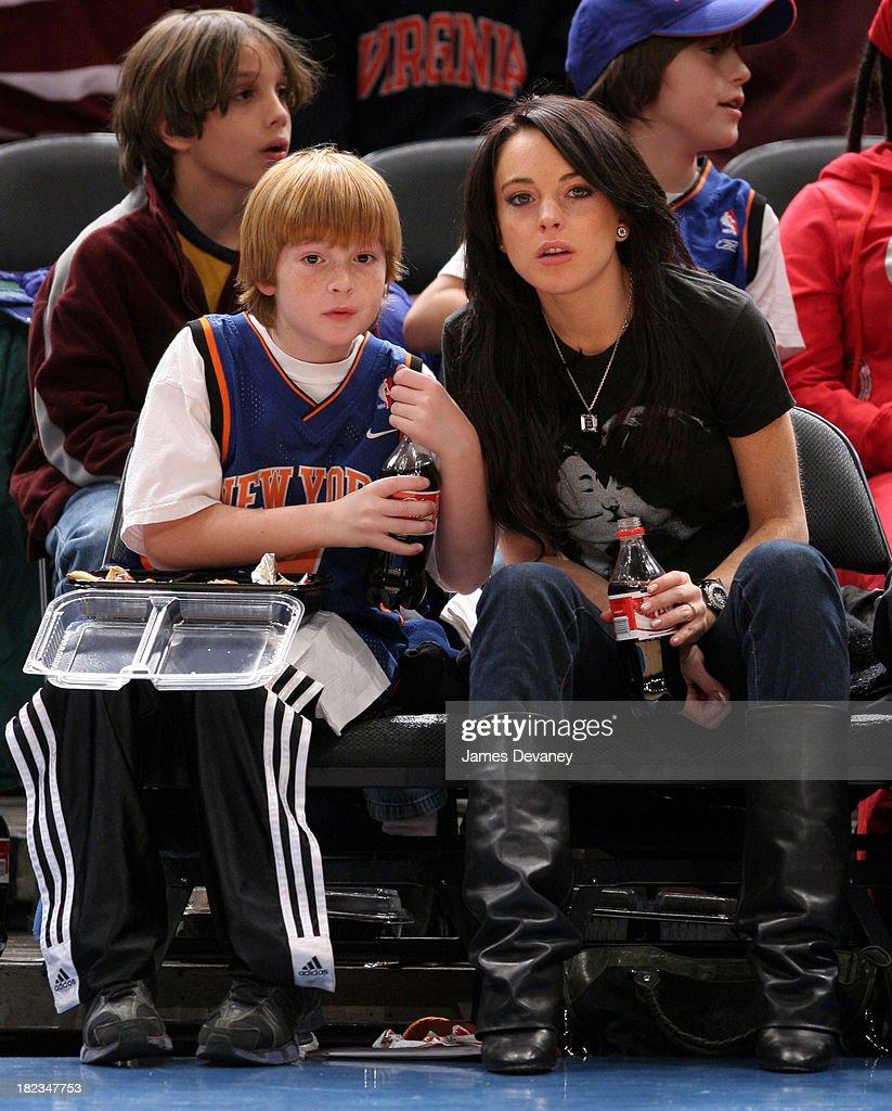 Celebrities Attend the Utah Jazz vs New York Knicks Game - December 23, 2005 : Nachrichtenfoto