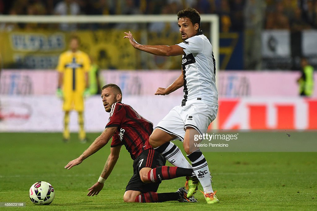 Parma FC v AC Milan - Serie A : ニュース写真