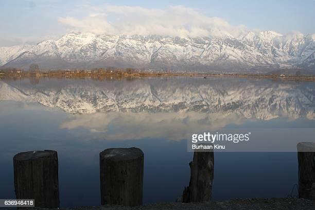 dal lake, landscape - burhaan kinu stockfoto's en -beelden