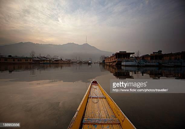 dal lake, srinagar, kashmir, india - kashmir valley stock pictures, royalty-free photos & images