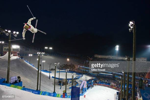 Dale BeggSmith of Australia on his way to a Gold medal in the Freestyle skiing men's moguls final during Day 5 of the Turin 2006 Winter Olympic Games...